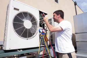 Réparation d'un climatiseur mural